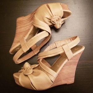 Seychelles Peep Toe Bow Wedge Sandals size 7